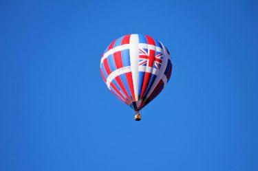 uk britain flag on hot air balloon